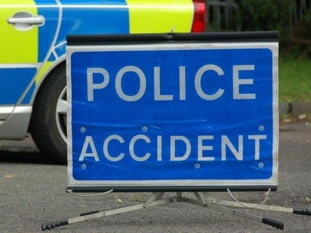 Thames Valley Police announced the death of a man in his 40s following a crash on the M40