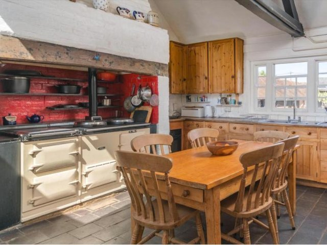 A beautiful kitchen - look at that AGA!