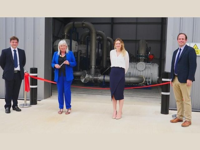 Matthew Palmer (Nammo), Science Minister Amanda Solloway, Lucy Stock (Nammo), Buckingham MP Greg Smith. (C) UK Space Agency  - T0FLMTMxNTc0NDE2 - Aylesbury leading the way in space race with cheaper and greenerrockettesting